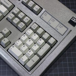 1390653